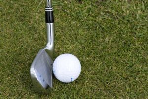 how to stop hitting the ball fat golf